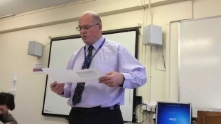 Talks you through a live English Language Mock, Using the Reading Paper